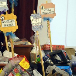 Cottonwood Elementary collects buckets of gifts for Utah soldiers